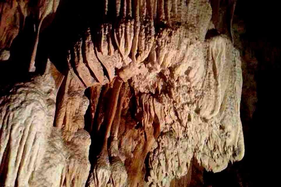 <multi>[en]Pra That Cave [fr]Grotte de Phra That</multi> - ถ้ำพระธาตุ