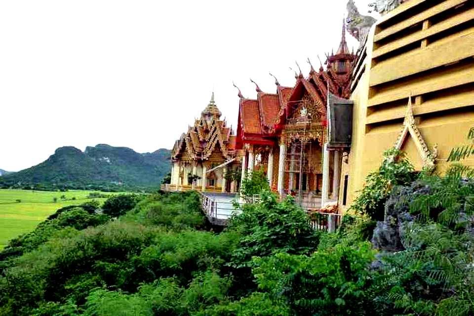 Wat Tham Suea - Kanchanaburi - Vue latérale