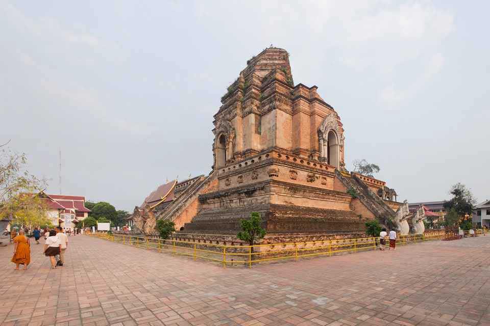 Wat Chedi Luang Voravihan - Chiang Mai
