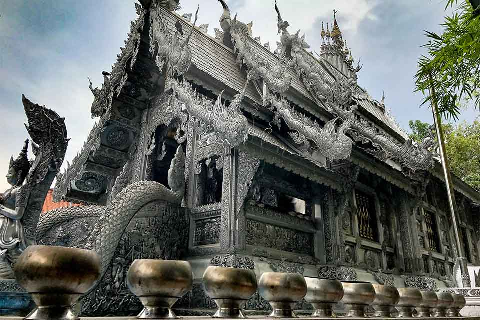 <multi>[fr]L'Ubosot d'Argent du Wat Si Suphan à Chiang Mai[en]The Silver Ubosot of Wat Si Suphan in Chiang Mai</multi>