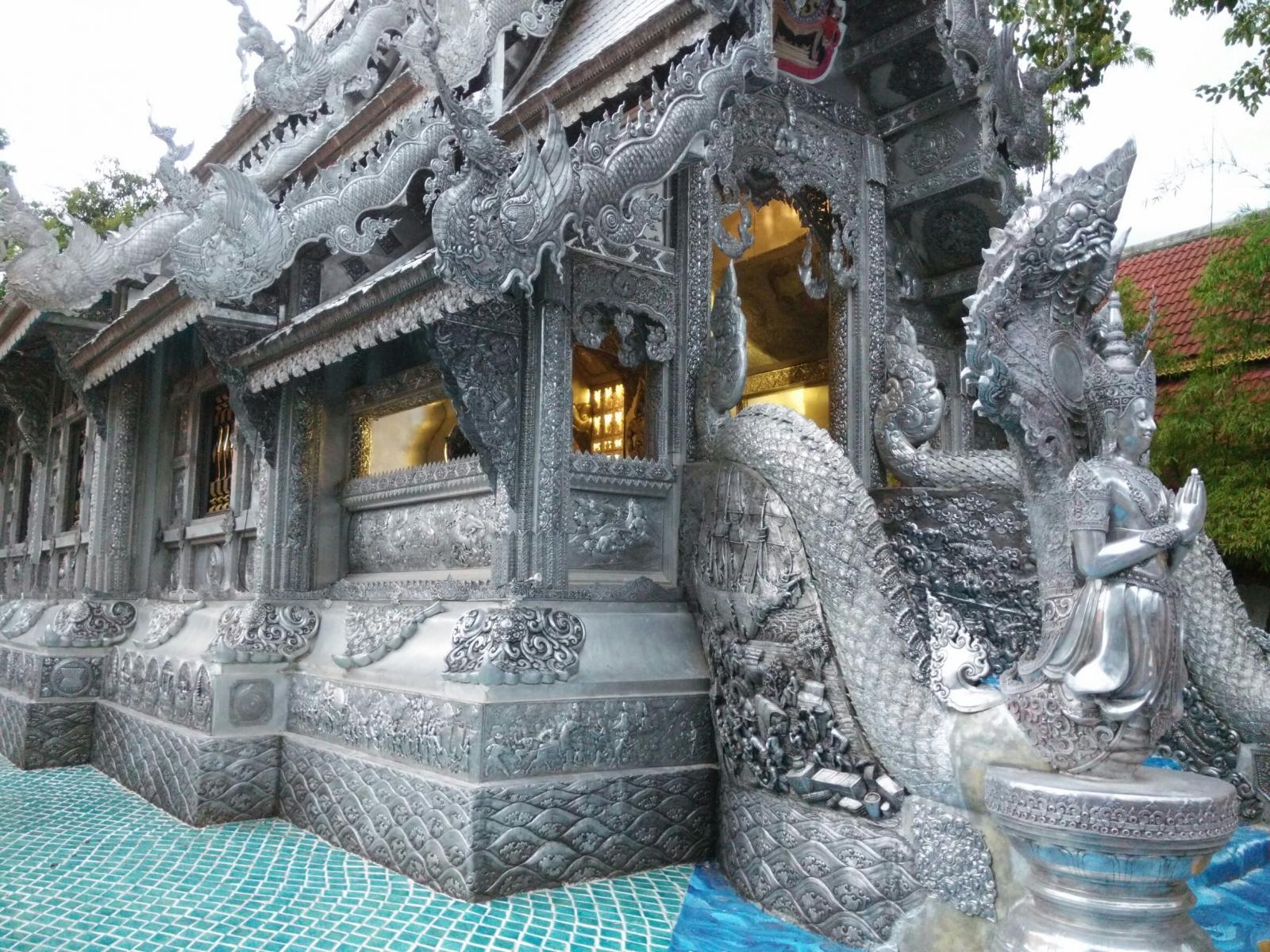 Le Wat Si Suphan - Temple d'Argent